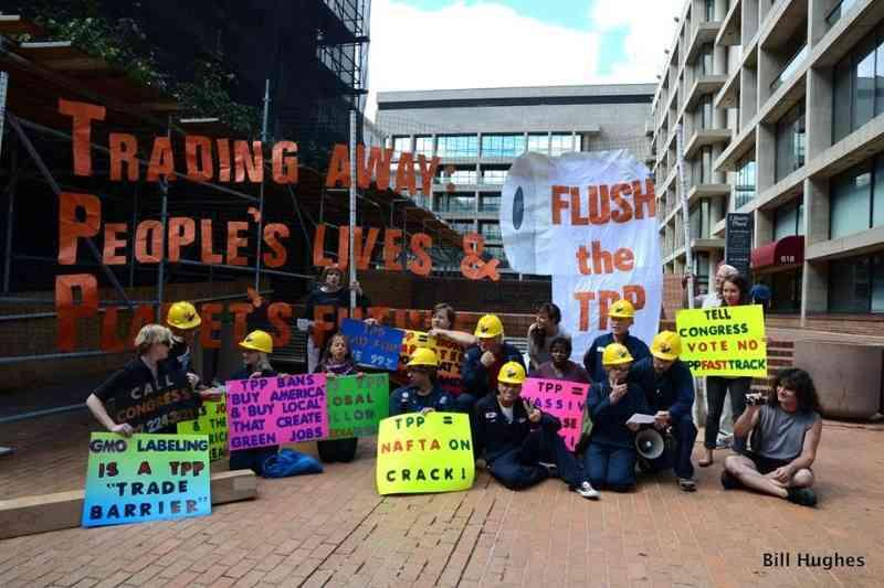 Protesters Take Over US Trade Representative Building, Expose Secret Negotiations