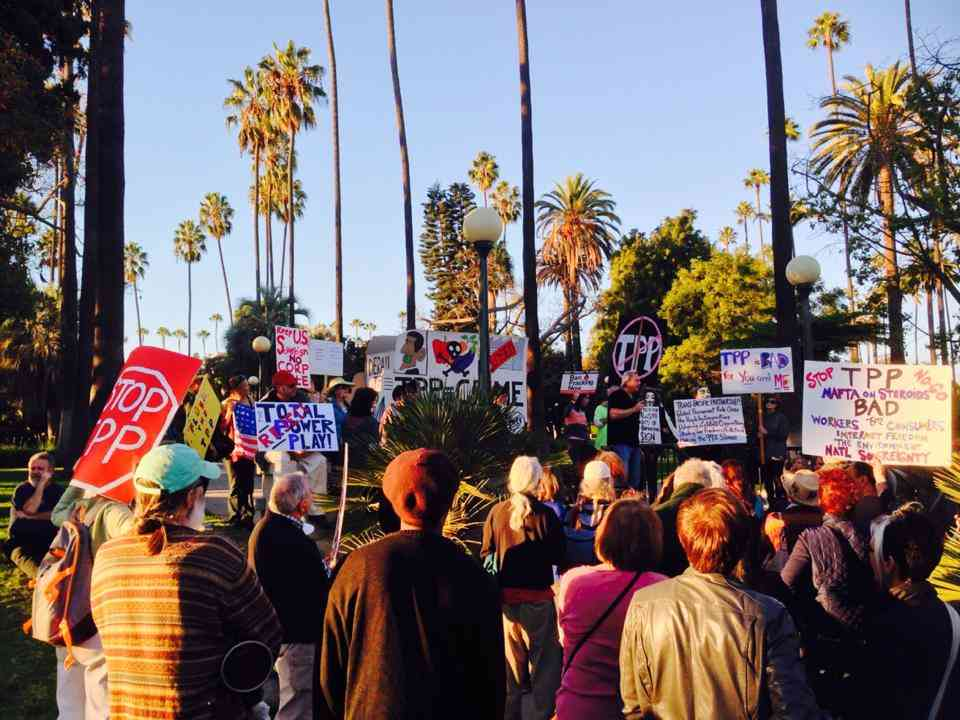 Obama, Pelosi And Reid Greeted By Anti-TPP Protesters In LA