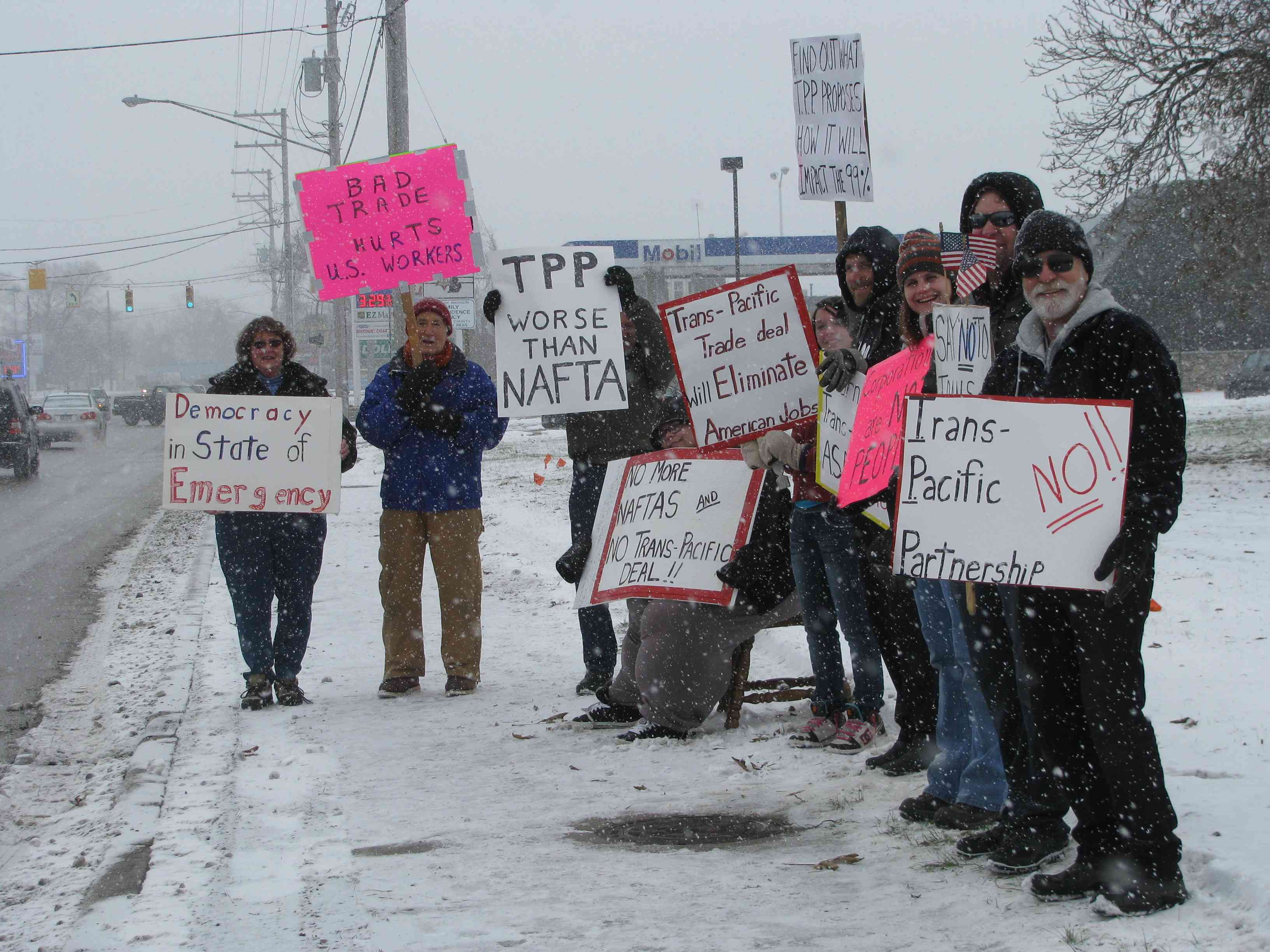 Concerned Citizens in Cheboygan Brave Snow to Expose the TPP
