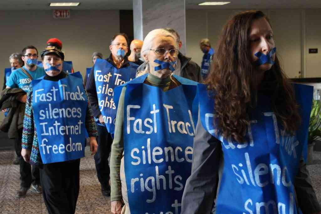 Protesters Flood Congress to Stop Fast Track