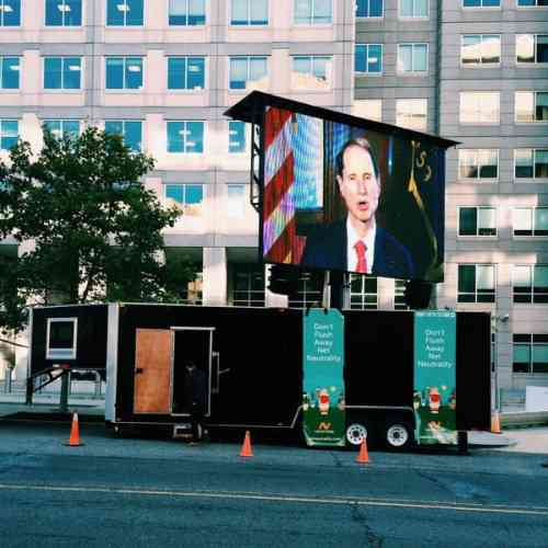 "MEDIA ADVISORY: Internet activists to park JUMBOTRON near Capitol Hill for ""Hey Ron Wyden! Fast Track Film Fest"""