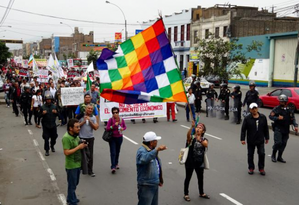 Lima: 5,000 Protest Against World Bank, IMF, And TPP