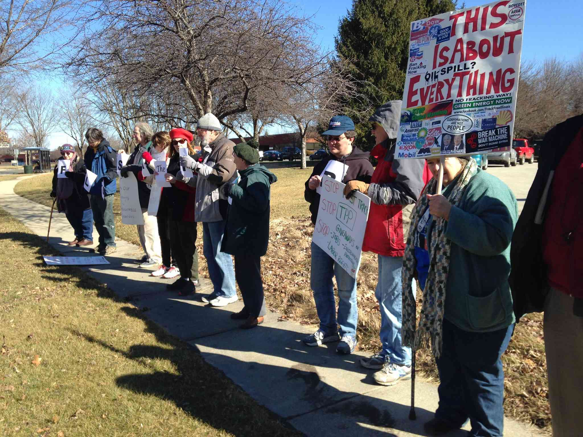 Champaign: Tell Rep. Rodney Davis Illinois doesn't want the TPP!