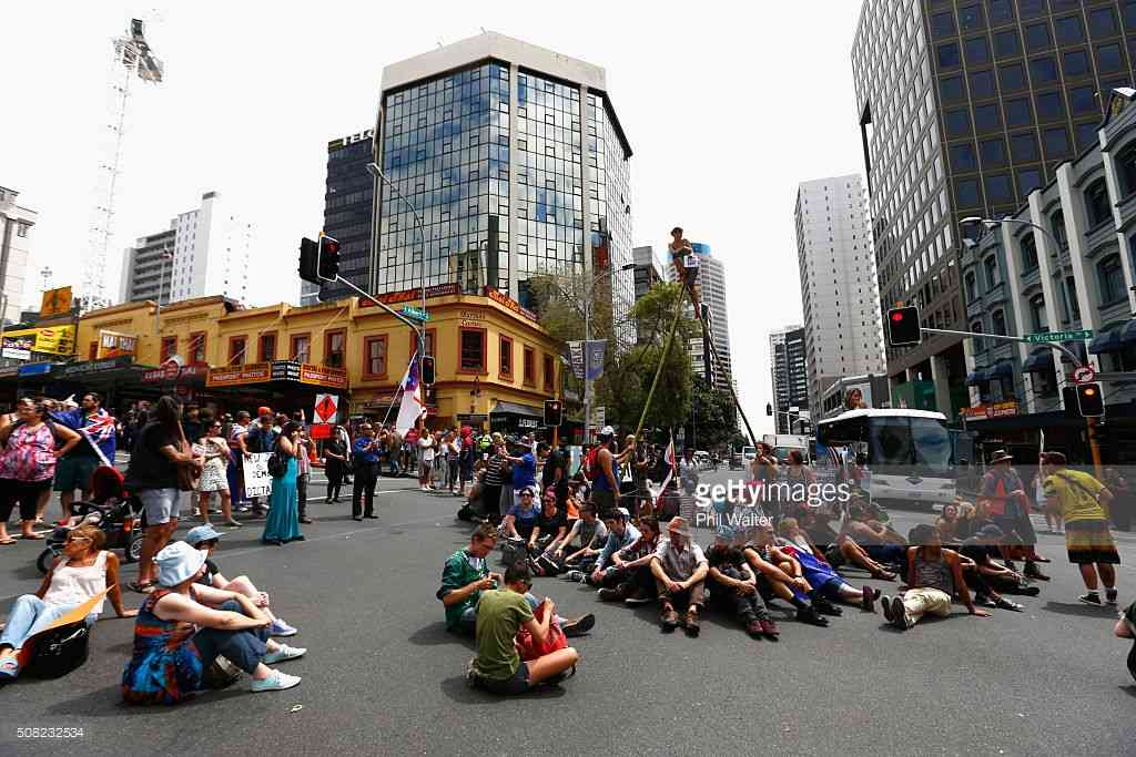 Protesters force Auckland standstill as TPP signed