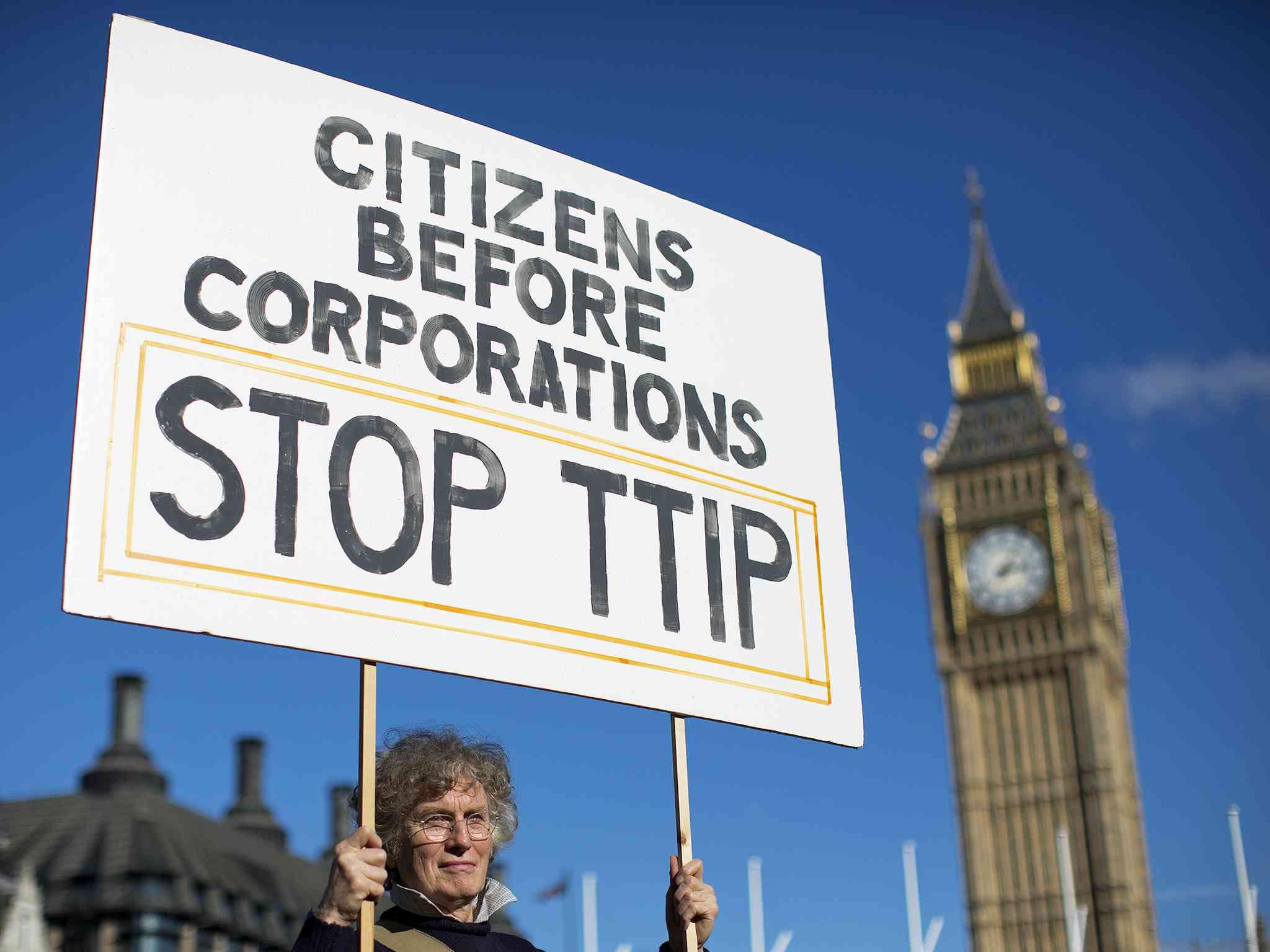 France threatens halt to TTIP talks barring progress in coming months
